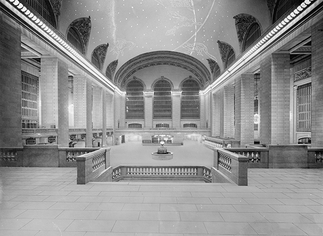Main concourse, Grand Central Terminal, New York City, photographed between 1903 and 1920. Detroit Publishing Company, courtesy Library of Congress Prints and Photographs Division