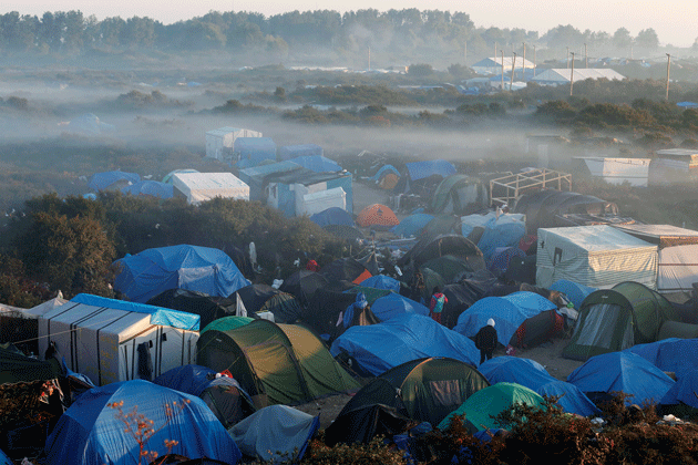 Tents and makeshift shelters in the Jungle, near Calais, France, October 2, 2015 © Pascal Rossignol/Reuters.