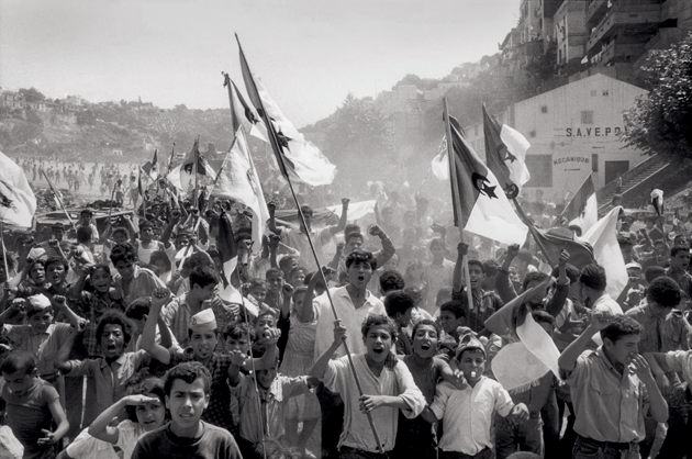 Independence Day, Algiers, July 5, 1962 © Marc Riboud/Magnum Photos.